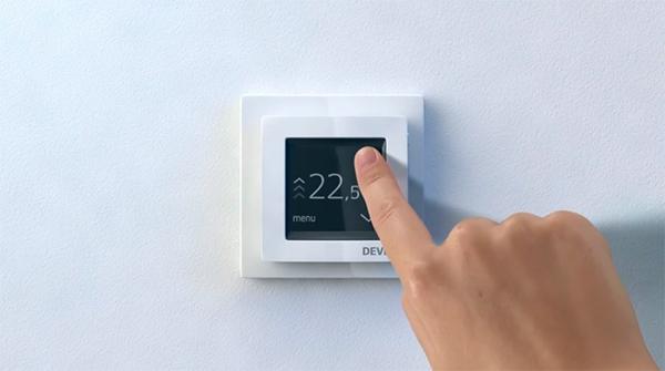 Терморегулятор DEVIreg Touch в дневном режиме работы